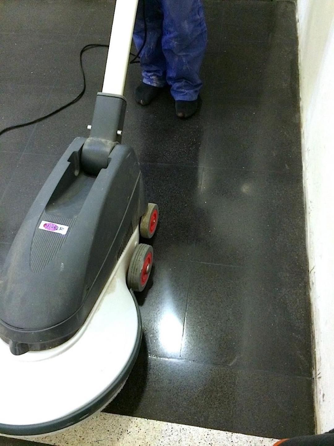 Renovace a broušení teraco povrchů