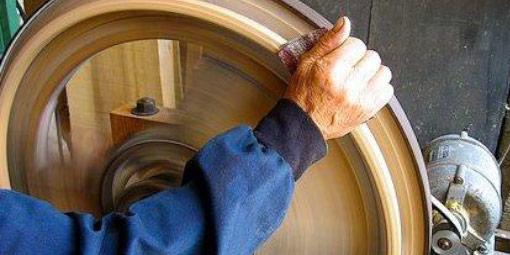 Restaurování a renovace nábytku a dřeva